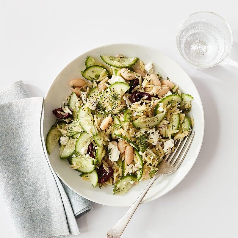 Photo de Salade méditerranéenne de pâtes et de haricots blancs pour une personne par WW