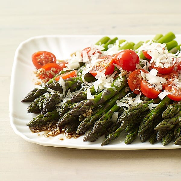 Photo of Balsamic asparagus and cherry tomato salad by WW