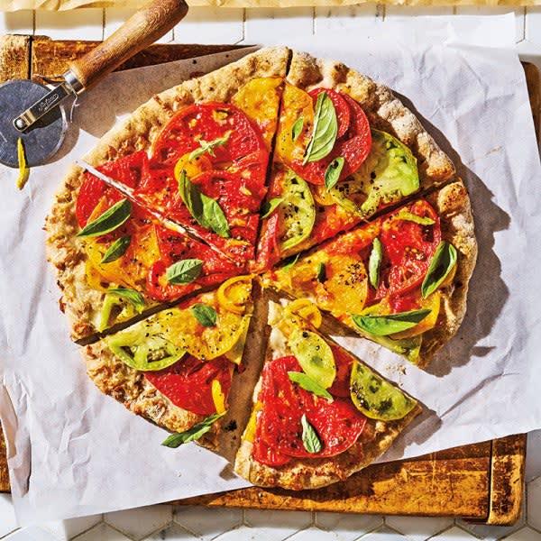 Photo de Pizza aux tomates anciennes et au basilic par WW