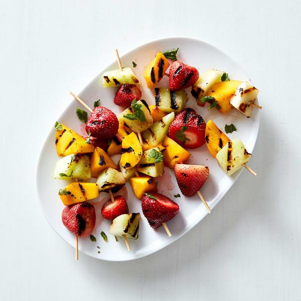 Photo de Brochettes de fruits grillés à la menthe par WW