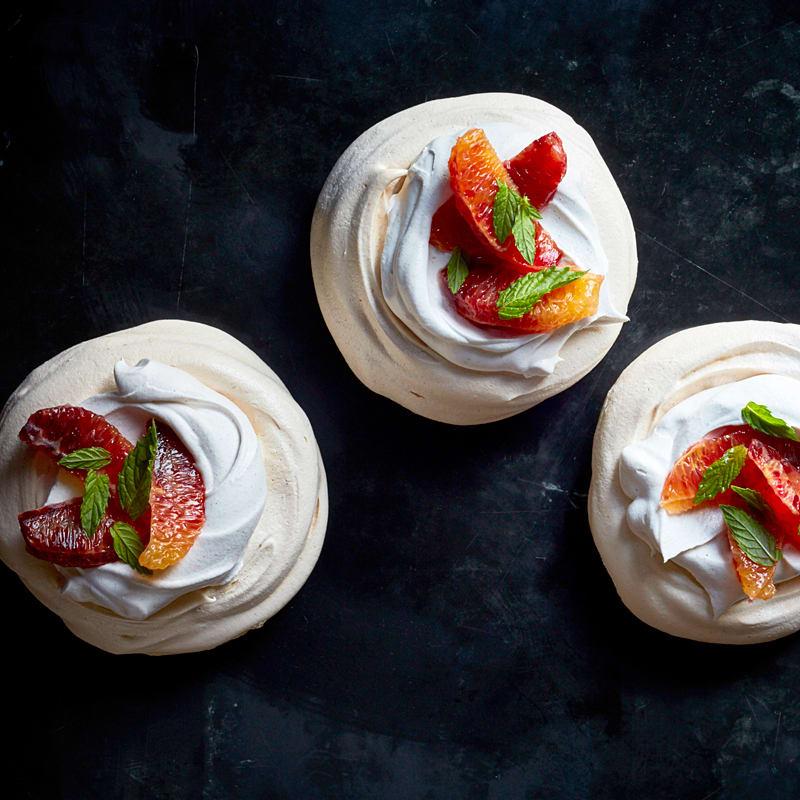 Photo of Gingerbread meringue tarts by WW