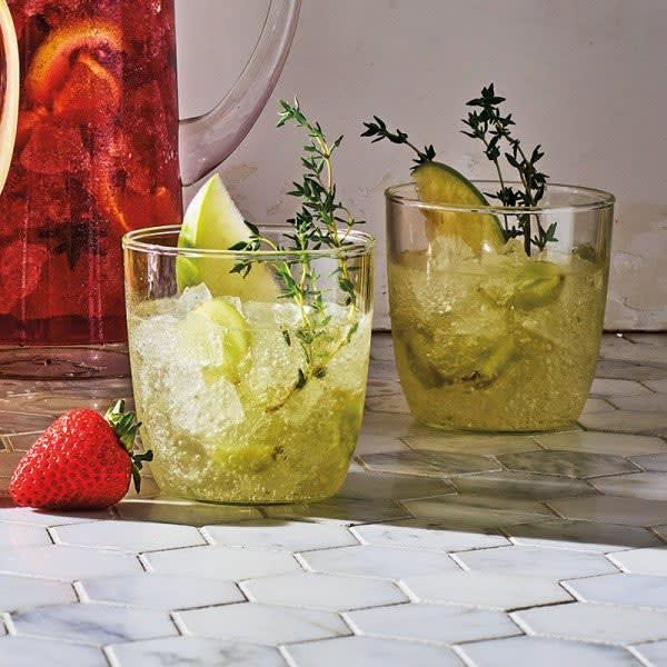 Photo of White sangria with grapes & apples by WW