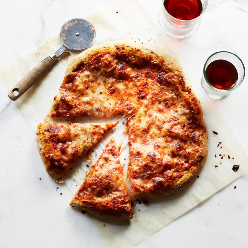 Photo of Five-ingredient tomato-cheese pizza by WW