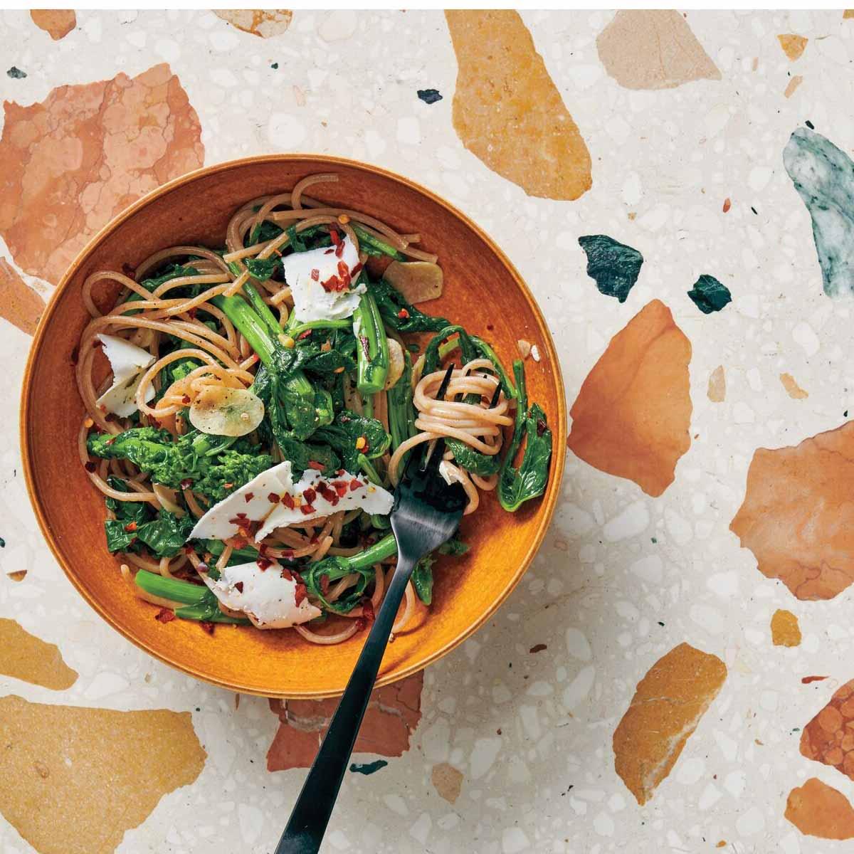 Photo of Spelt spaghetti with broccoli rabe by WW