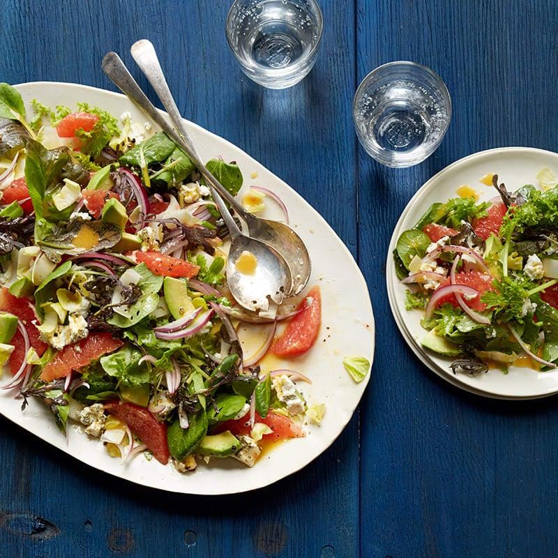 Photo de Salade de mesclun au fromage de chèvre et au pamplemousse rouge par WW