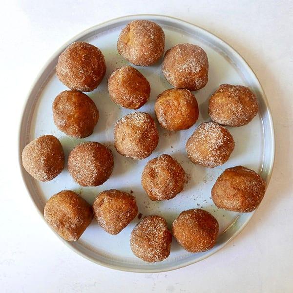 Photo de Bouchées de pâte à biscuits à la citrouille épicée par WW