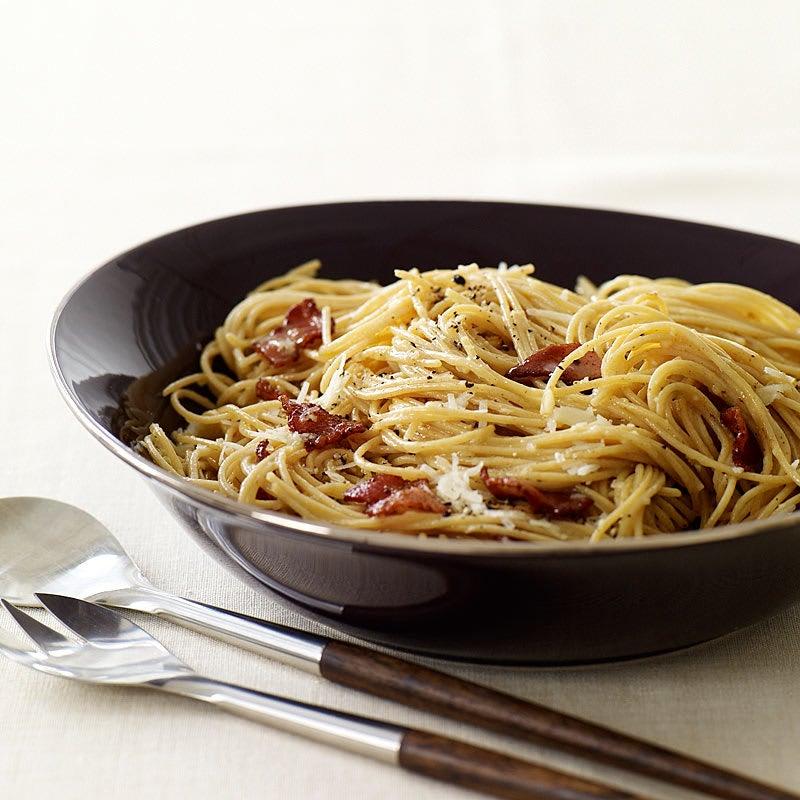 Photo de Spaghetti de blé entier carbonara par WW