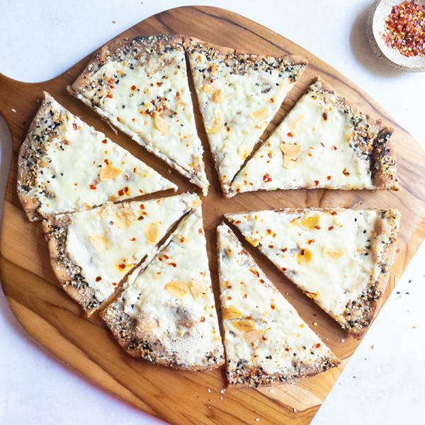 Photo of Grilled white pizza with everything crust by WW