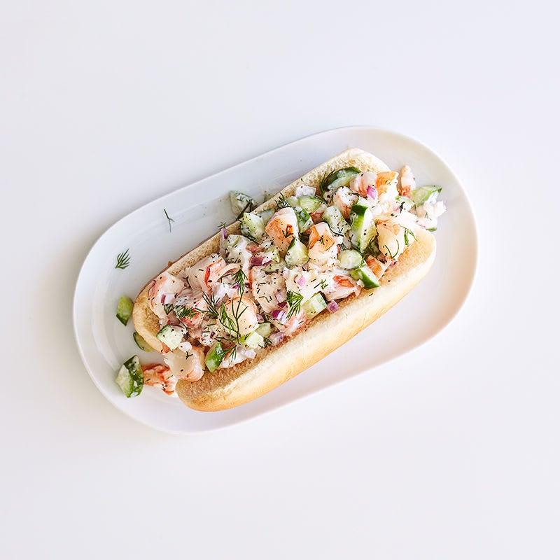 Photo de Sandwich à la salade de crevettes, au concombre et à l'aneth par WW