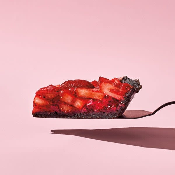 Photo of Fresh-strawberry pie with chocolate crust by WW