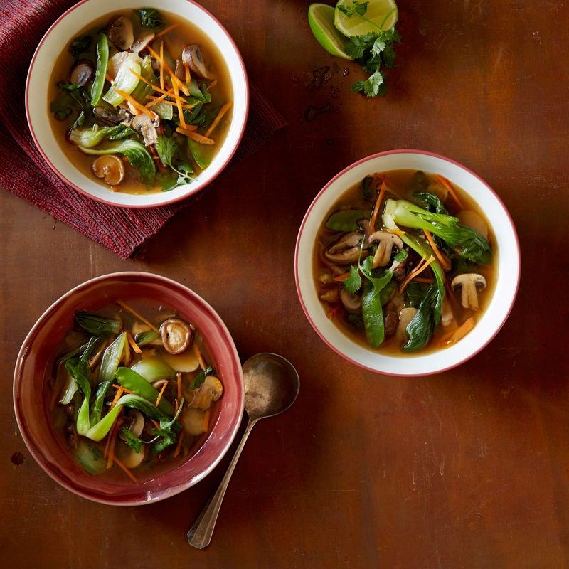 Photo de Soupe asiatique aux champignons par WW