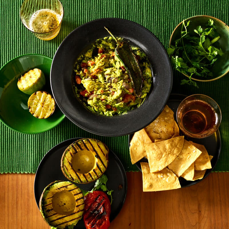 Photo de Guacamole grillé avec piments poblanos et lime par WW