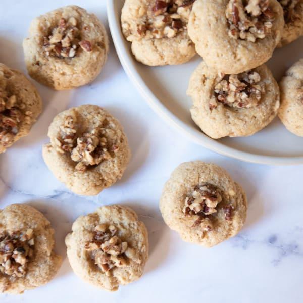 Photo de Biscuits empreintes à la tarte aux pacanes par WW