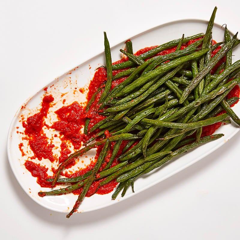Photo de Haricots verts rôtis et sauce au poivron rouge par WW