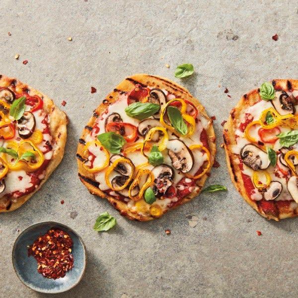 Photo de Pizzas grillées aux champignons et aux poivrons par WW