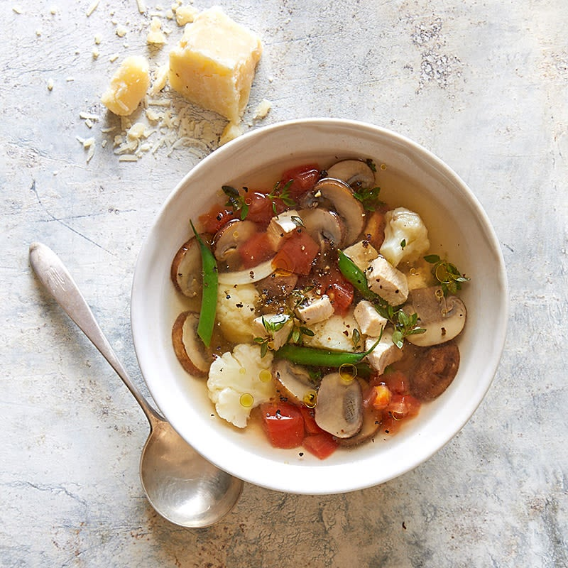 Photo de Soupe au poulet et aux légumes à l'italienne par WW