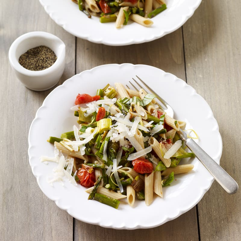 Photo of Penne with Roasted Tomatoes, Asparagus and Leeks by WW