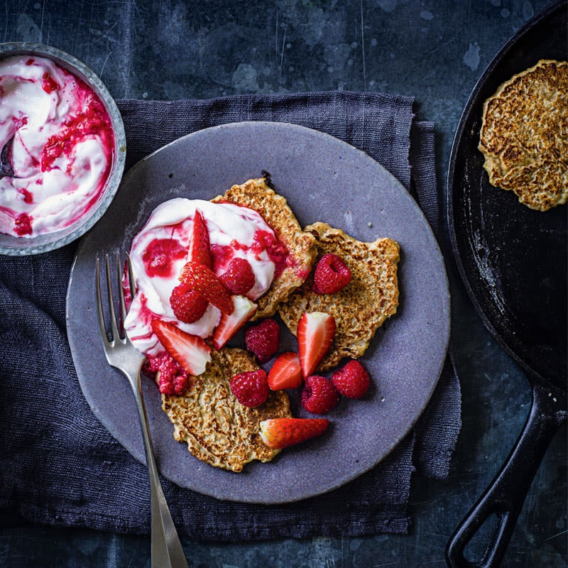 Photo of Overnight oat pancakes with berries by WW