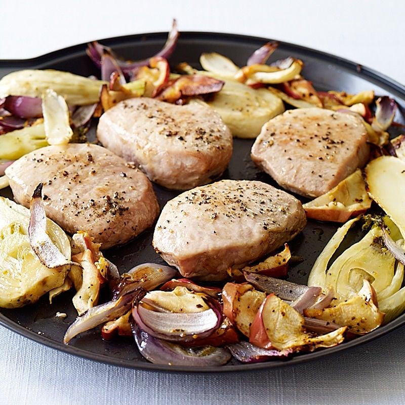 Photo de Côtelettes de porc l'avec fenouil, oignon et pomme par WW