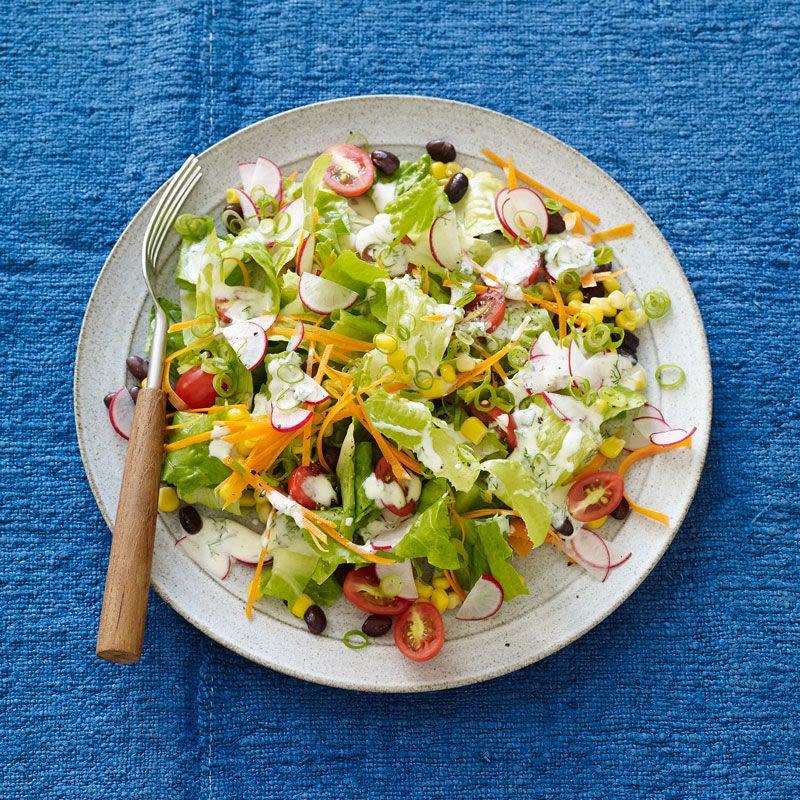 Photo de Salade mexicaine hachée avec vinaigrette à l'ail style ranch par WW