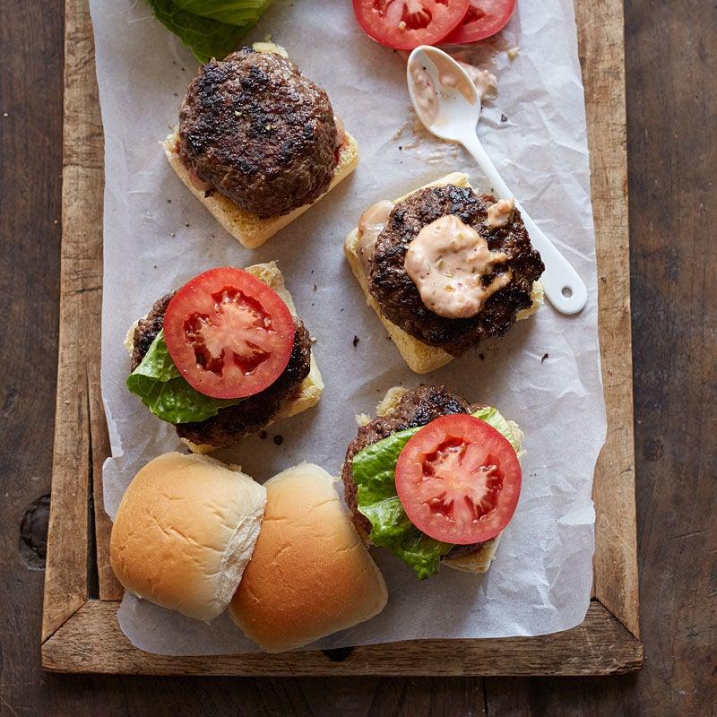 Photo de Petits hamburgers farcis au bacon et au cheddar grandioses par WW