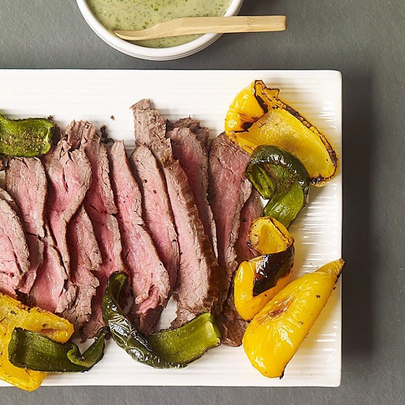 Photo de Bifteck et poivrons grillés avec sauce verte épicée facile à préparer par WW