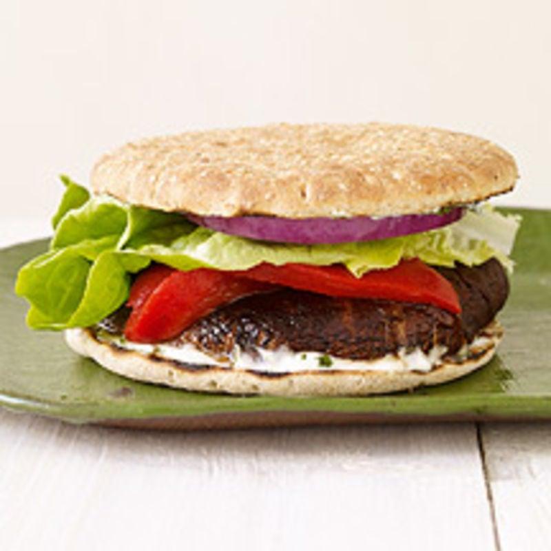 Photo de Burger de portobello grillé avec mayonnaise au basilic par WW