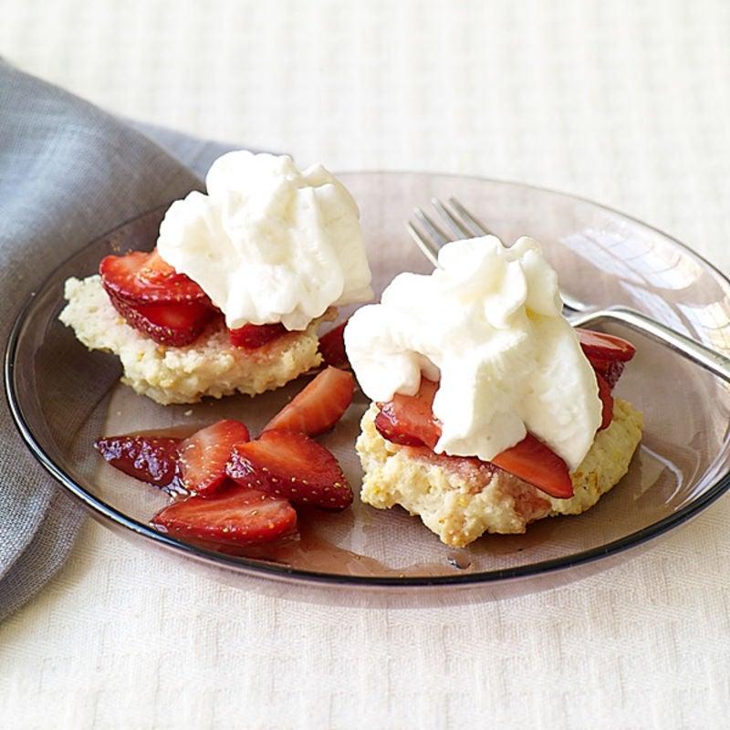 Photo of Strawberry shortcake with strawberry sauce by WW