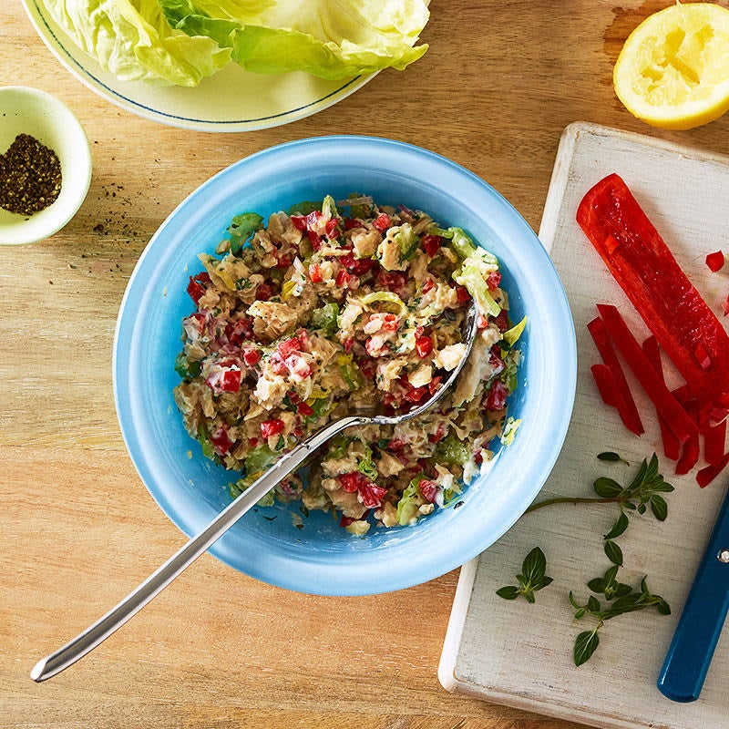 Photo of Mediterranean tuna salad with lemon, red pepper and oregano by WW