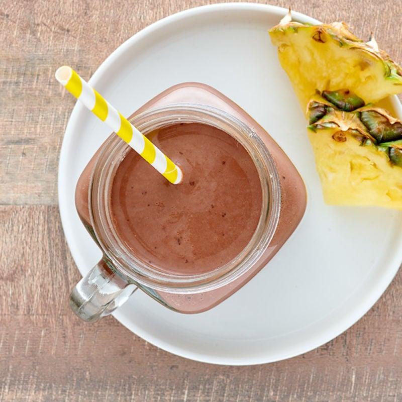 Photo de Boisson fouettée protéinée au chocolat et à l'ananas par WW