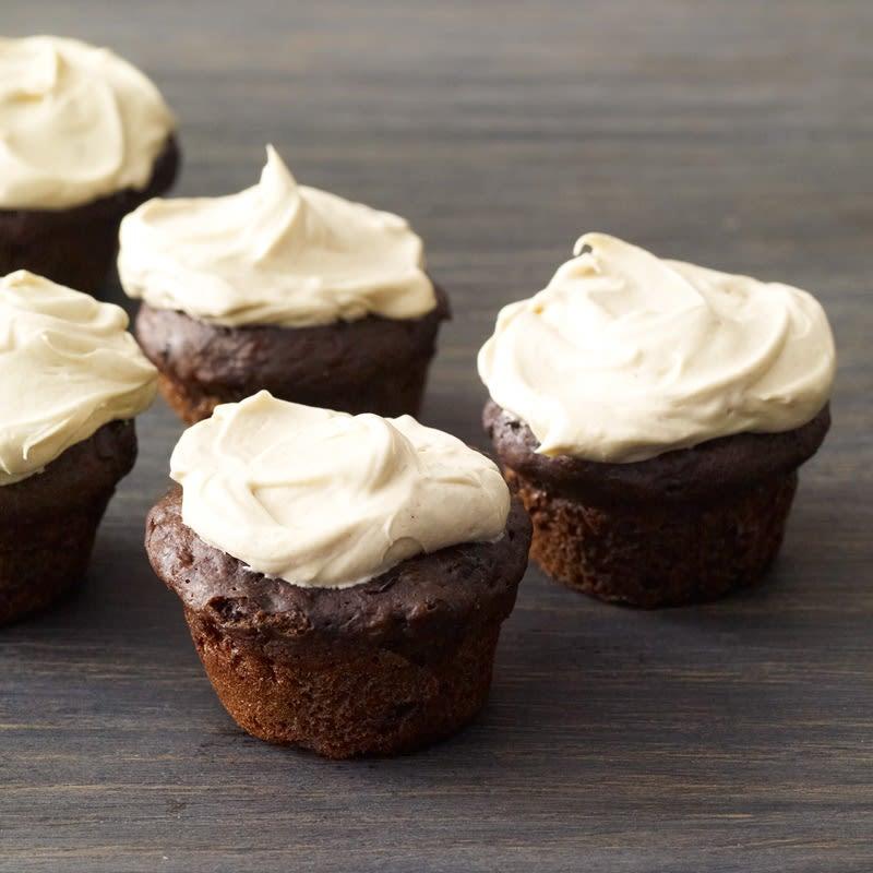 Photo de Mini gâteaux au chocolat et banane avec glaçage au beurre d'arachides par WW