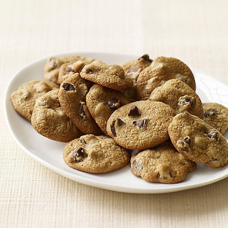 Photo de Petits biscuits aux pépites de chocolat (avec pépites de chocolat mi-sucré) par WW