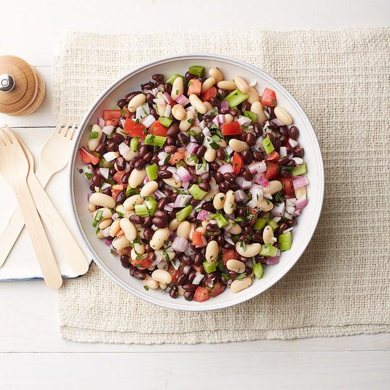 Photo de Salade estivale aux haricots blancs et noirs par WW