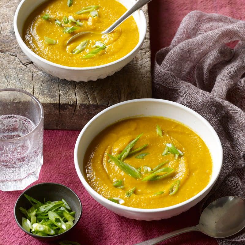 Photo de Soupe aux carottes et à la pomme au cari par WW