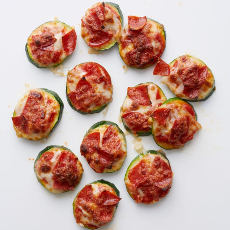 Photo de Bouchées de pizza courgette et pepperoni par WW