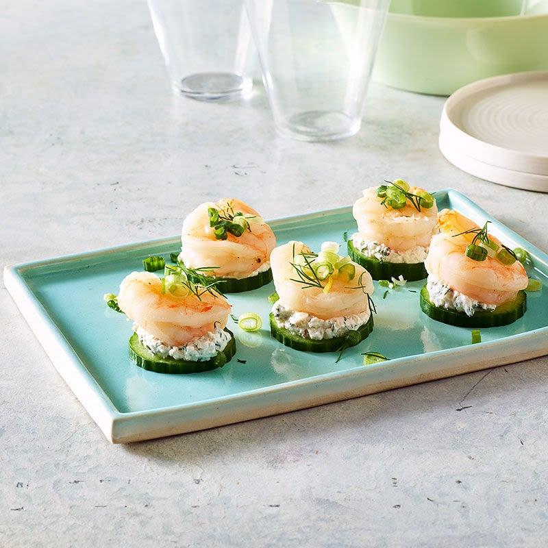 Photo de Bouchées de crevettes et de concombre au tzatziki par WW