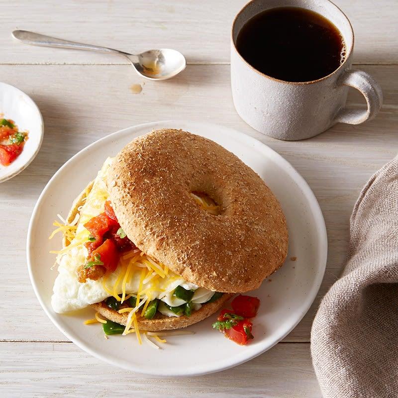 Photo de Sandwich-déjeuner aux œufs et au piment poblano par WW