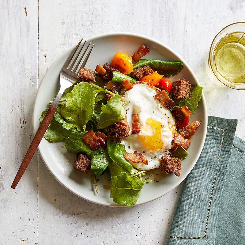 Photo of BLT-and-egg breakfast salad by WW