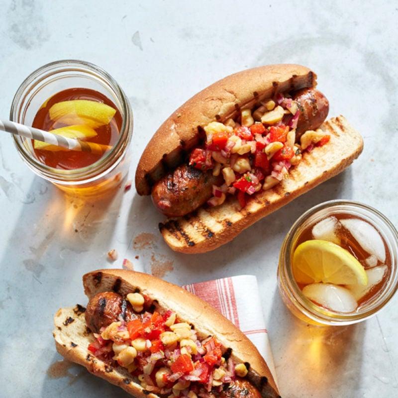 Photo de Sandwichs à la saucisse de poulet grillée avec salsa de pois chiches espagnole par WW