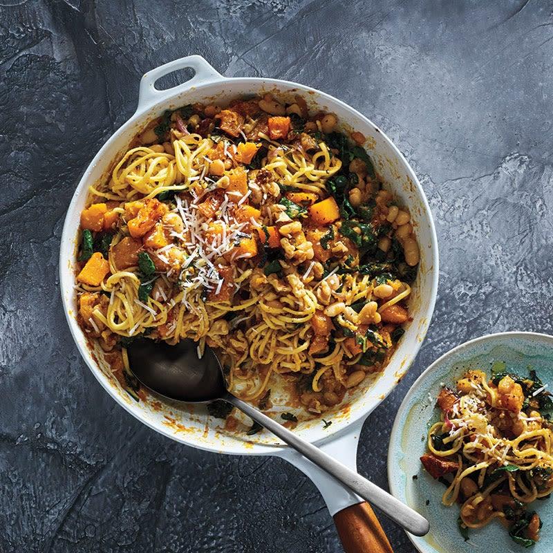 Photo de Spaghettis à la courge musquée, aux haricots blancs et au chou frisé par WW